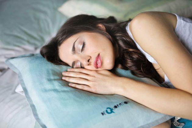 睡眠はしっかりと6時間以上取る