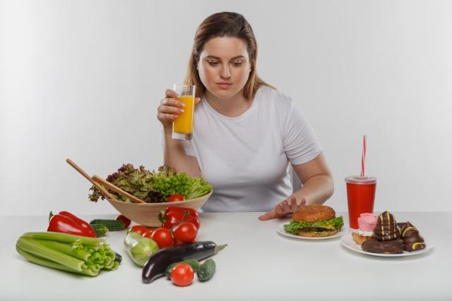 食事の制限で体脂肪は落ちる!?これを読めばわかるダイエットを成功させるポイント