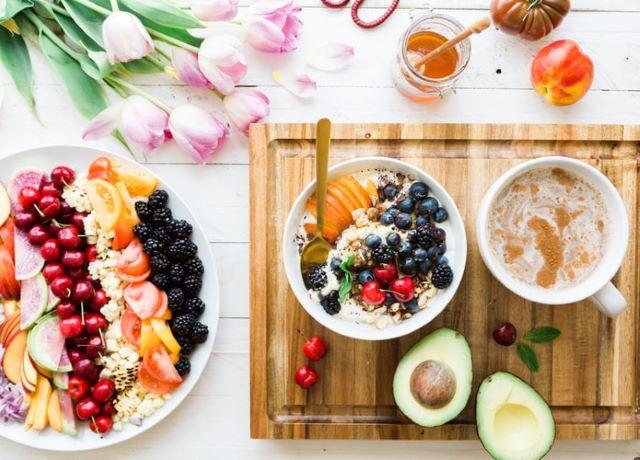 特に、代謝をよくする栄養素を摂取するとよい
